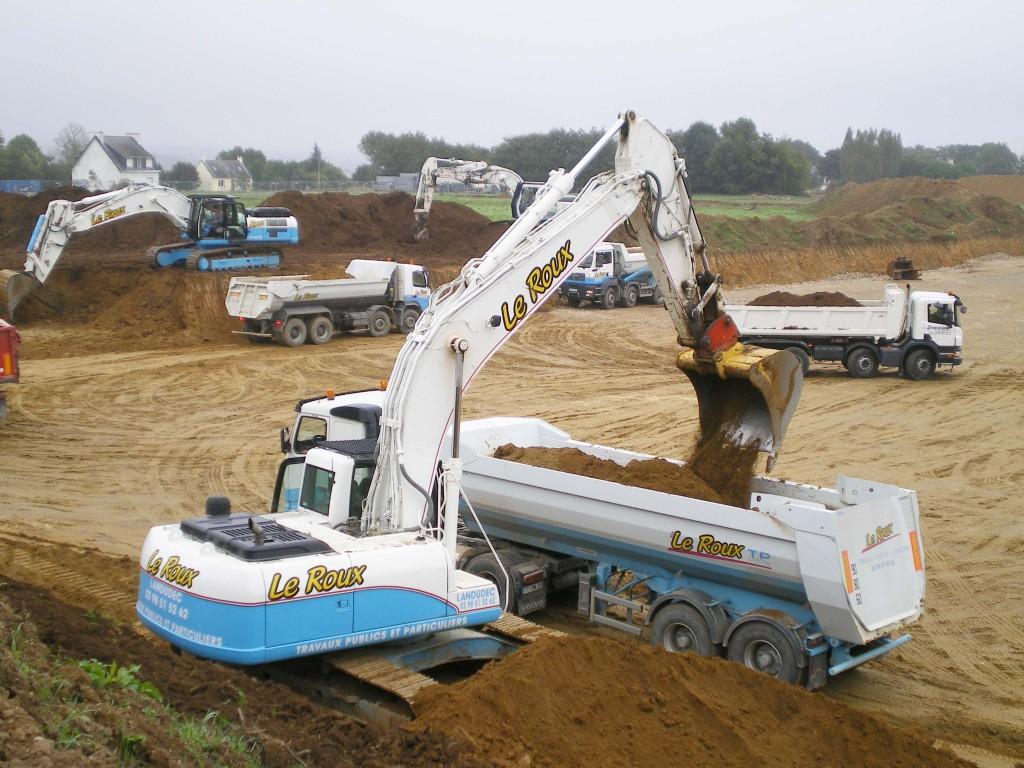 Le roux travaux publics sp cialis e dans le terrassement for Travaux de terrassement prix
